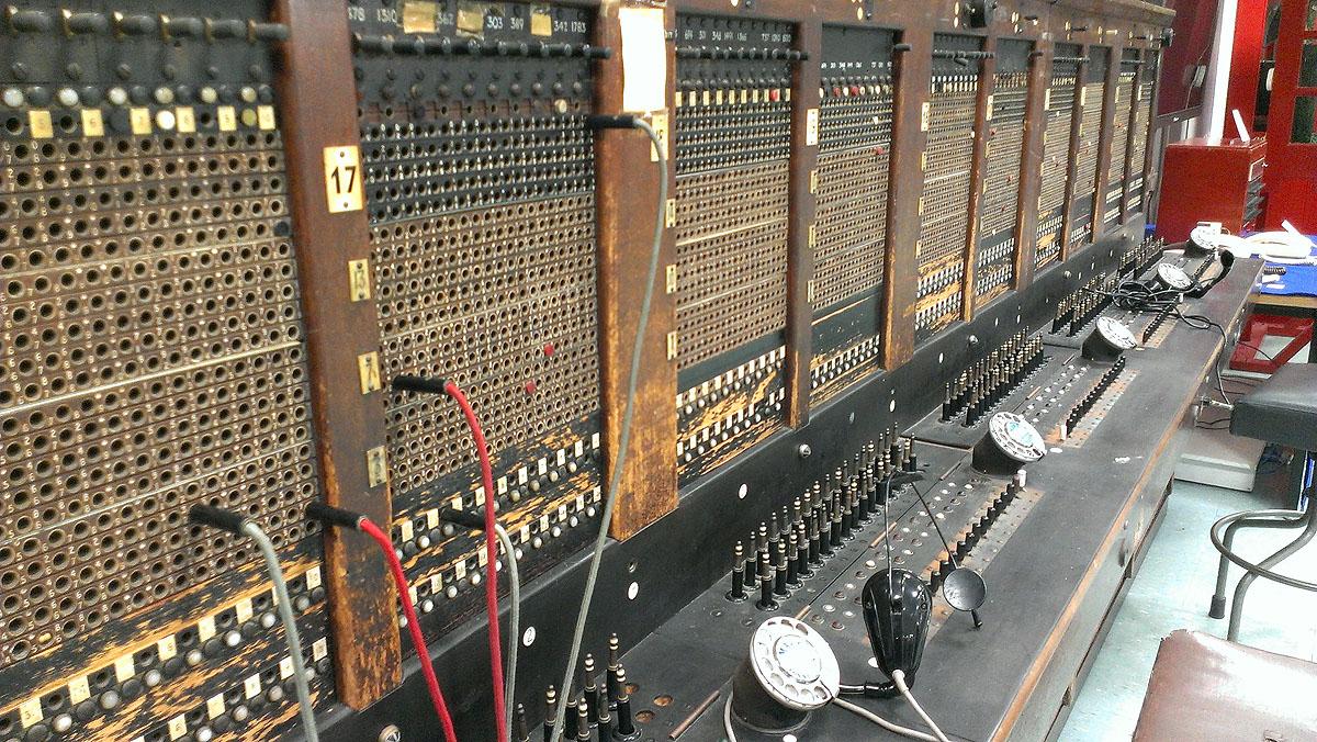 Plug & Cord Board